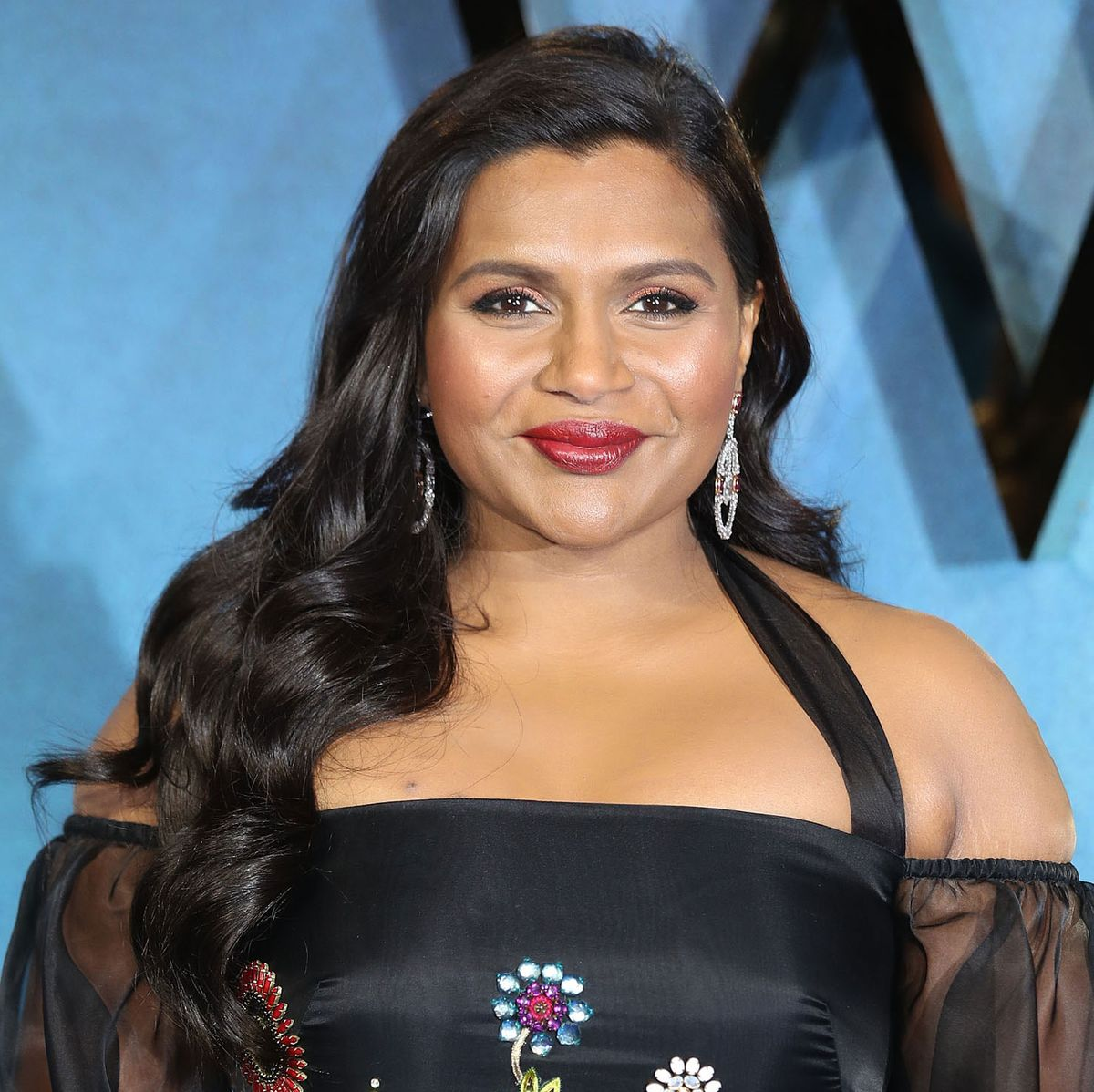 How Mindy Kaling Hid Her Pregnancy From The Ocean S 8 Cast