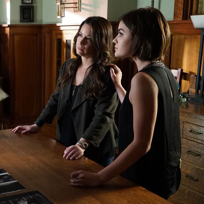 ROMA MAFFIA, HOLLY MARIE COMBS, LUCY HALE