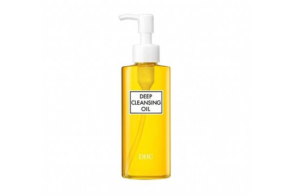 DHC Deep Cleansing Oil.