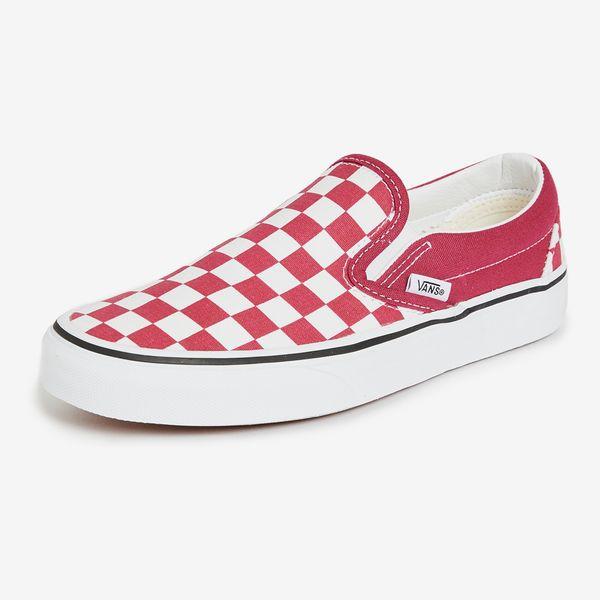 Vans Classic Slip On Sneakers in Ceris Checkerboard