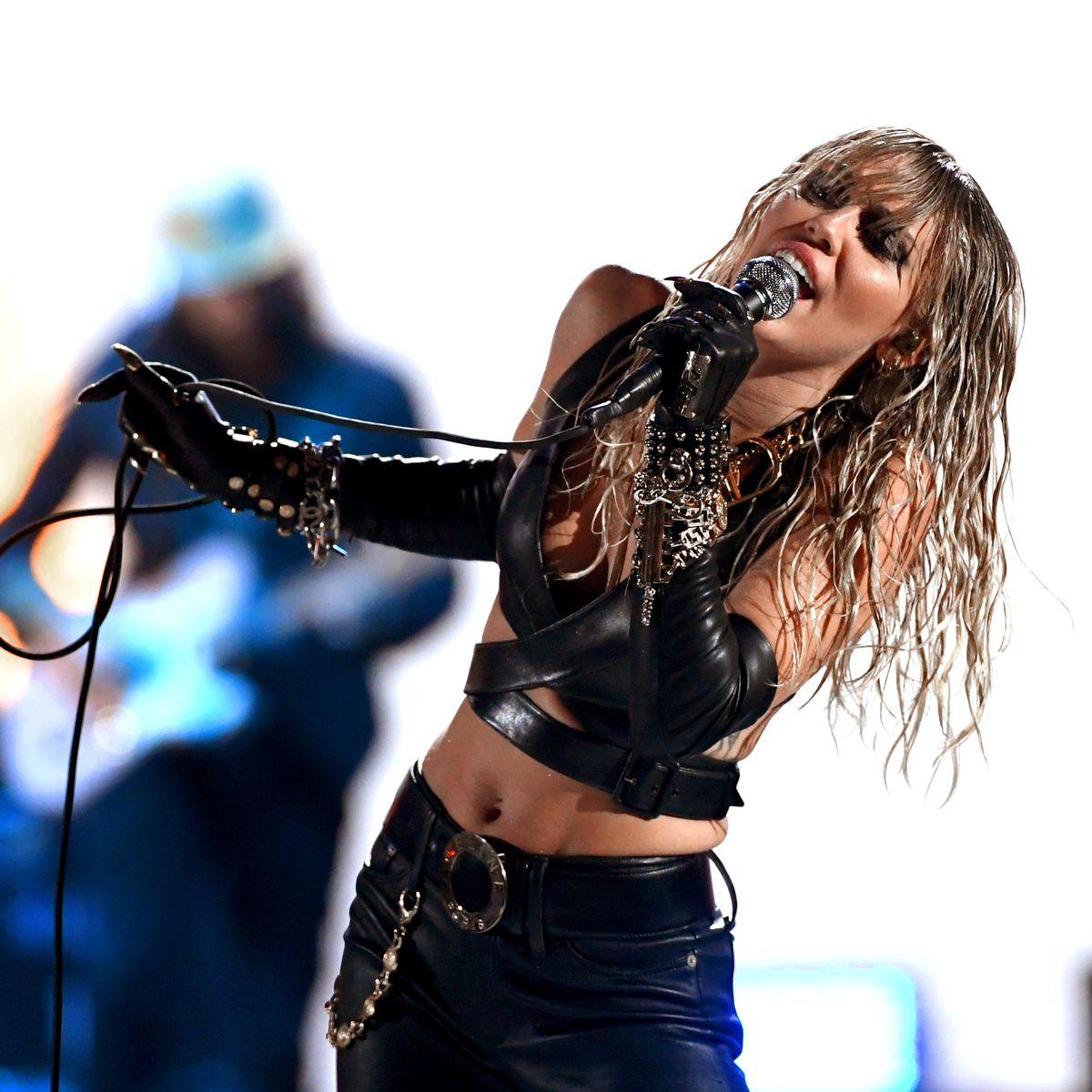 Vmas 2020 Miley Cyrus To Perform Midnight Sky