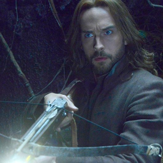 "SLEEPY HOLLOW: Ichabod (Tom Mison) faces demonic creatures that guard a secret crypt in the ""What Lies Beneath"" episode of SLEEPY HOLLOW airing Monday, Feb. 9 (9:00-10:00 PM ET/PT) on FOX. ?2015 Fox Broadcasting Co. CR: Brownie Harris/FOX"