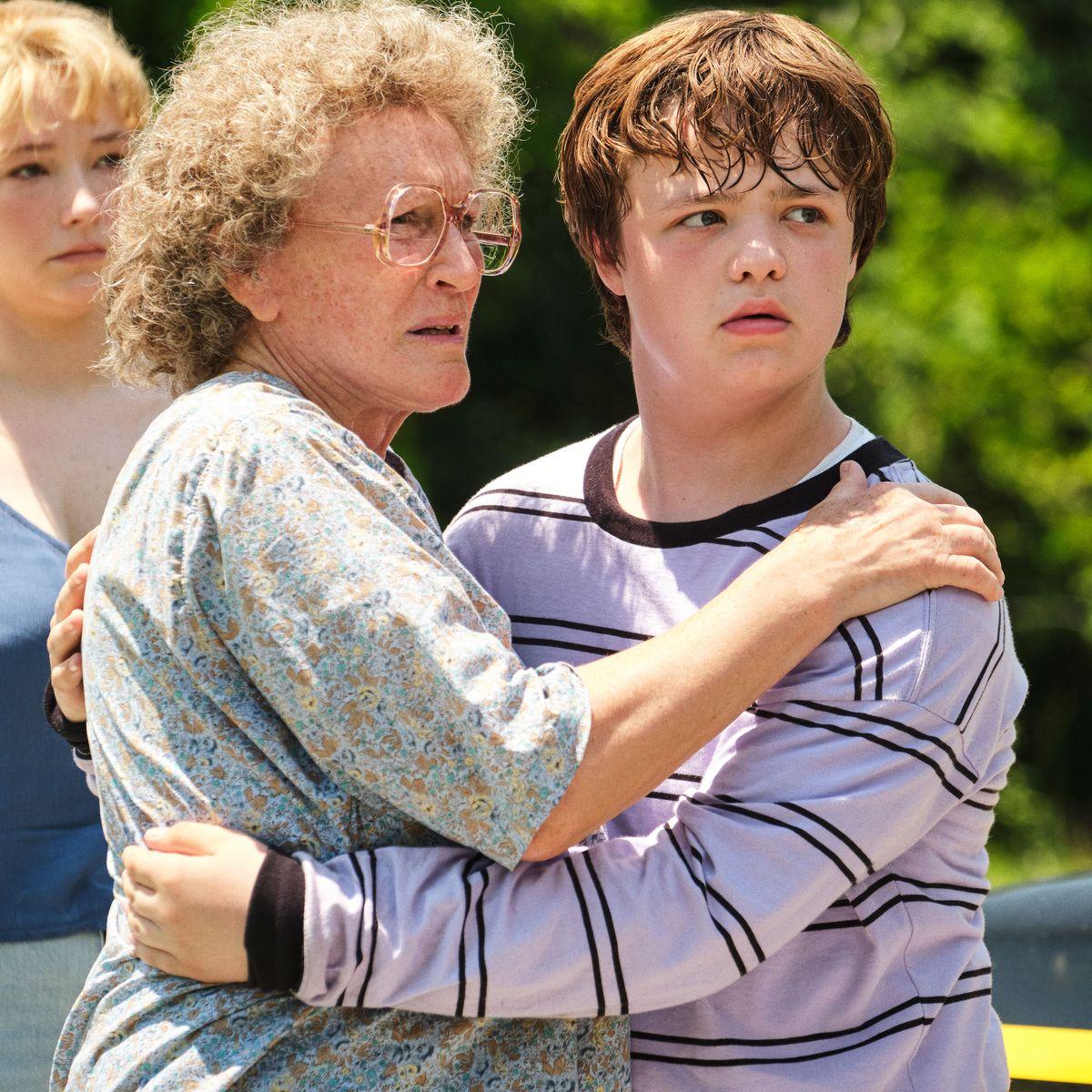 Review: Hillbilly Elegy, starring Amy Adams and Glenn Close