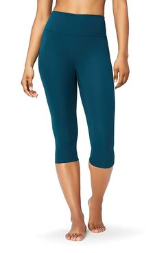 Amazon Brand Core 10 Women's 'Spectrum' Yoga High Waist Capri Legging in Marine
