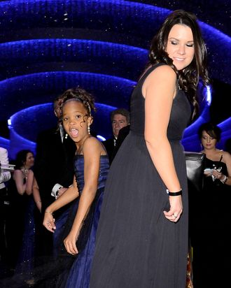 Actress Quvenzhane Wallis (L) attends the Oscars Governors Ball at Hollywood & Highland Center on February 24, 2013 in Hollywood, California.