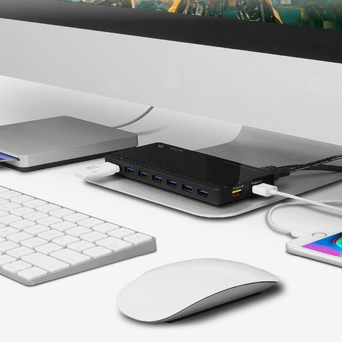 The 15 Best USB Hubs, According to Hyperenthusiastic Reviewers
