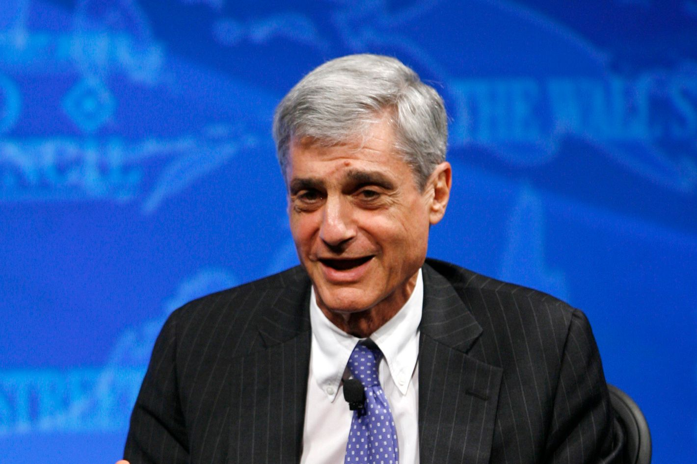 Former U.S. Treasury Secretary Robert Rubin speaks at a forum about the global economy at the Wall St. Journal's CEO Council in Washington November 17, 2008. Also speaking on the panel were current Treasury Secretary Henry Paulson and former Treasury Secretary Larry Summers.