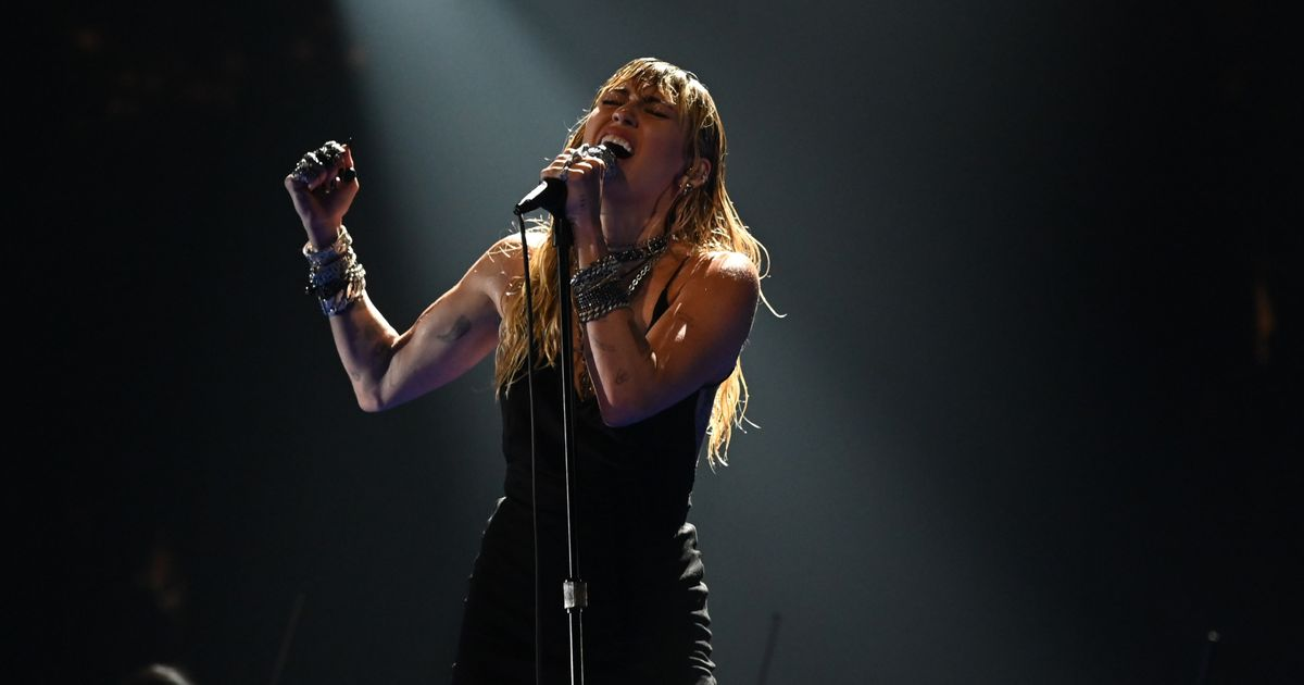 Miley Cyrus Is As Damp As She Is Dramatic in Her VMAs 'Slide Away' Performance