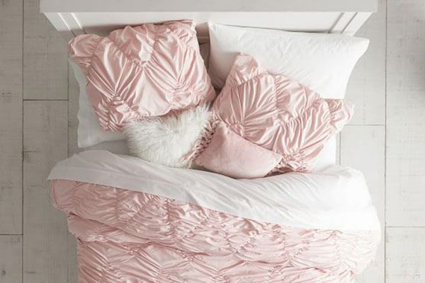 Pottery Barn Teen Blush Whimsical Waves Quilt