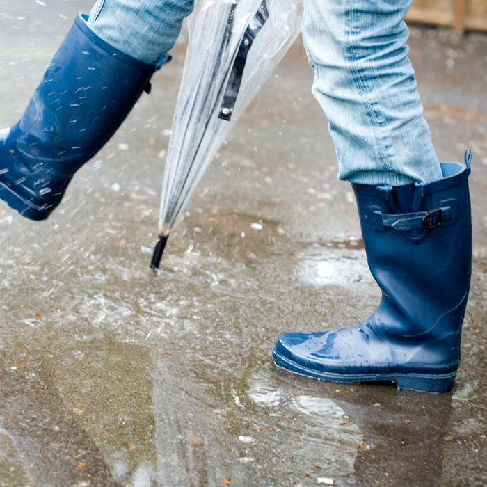 d656dd8b9657 Here Are the Best Rain Boots for Wide Calves