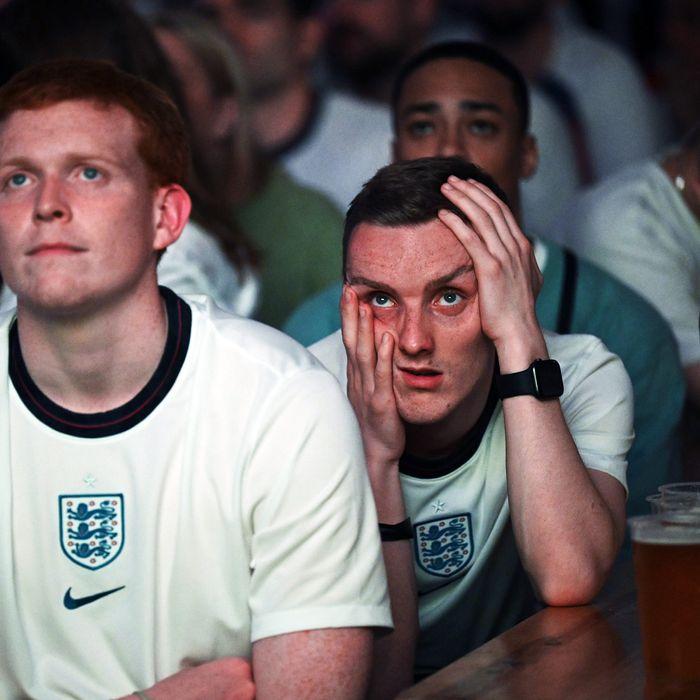 English soccer fans watch Euro 2020.