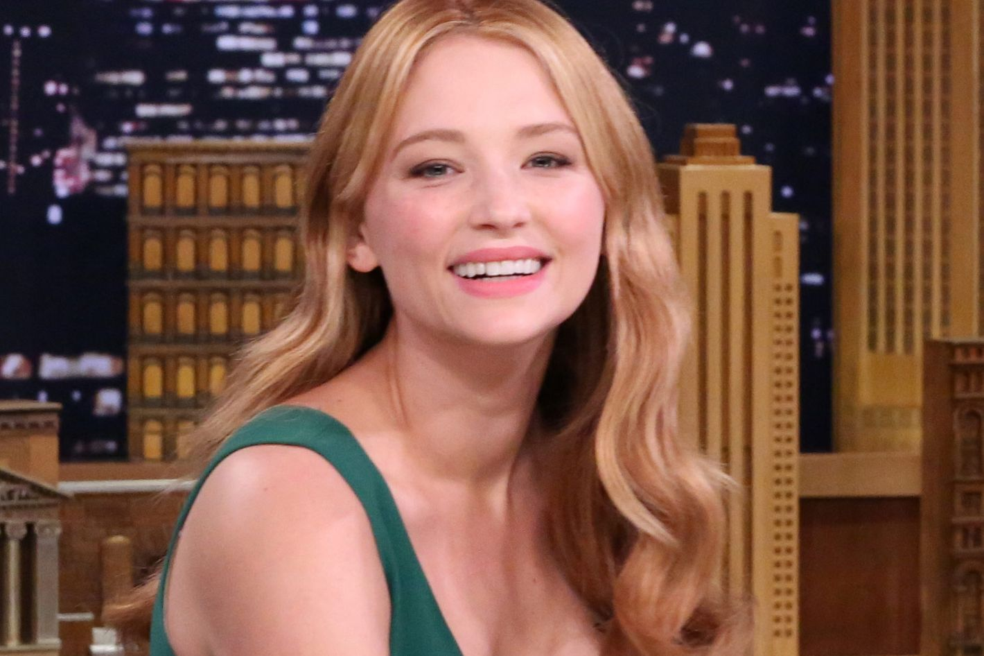 What To Know About Haley Bennett The Girl On The Train