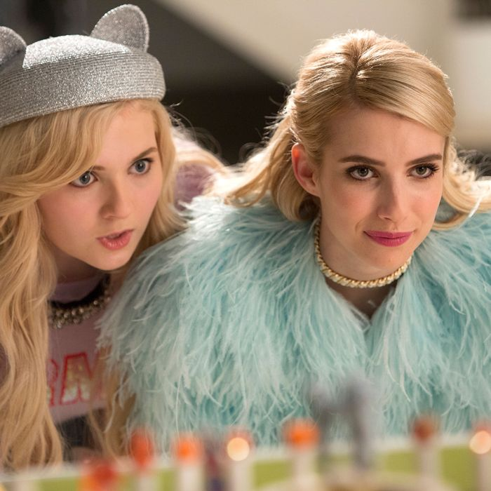 SCREAM QUEENS: Pictured L-R: Abigail Breslin as Chanel #5 and Emma Roberts as Chanel Oberlin in the