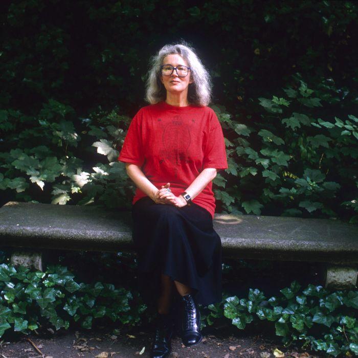 18 Jun 1988, Paris, France --- English novelist Angela Carter (1940-1992) sitting on a park bench. --- Image by ? Sophie Bassouls/Sygma/Corbis