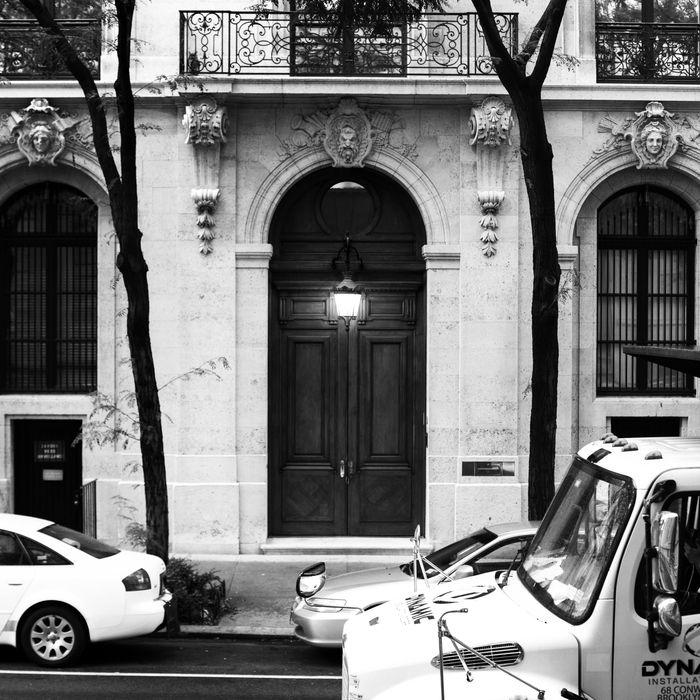 The Creepy Décor In Jeffrey Epsteinu0027s NYC House