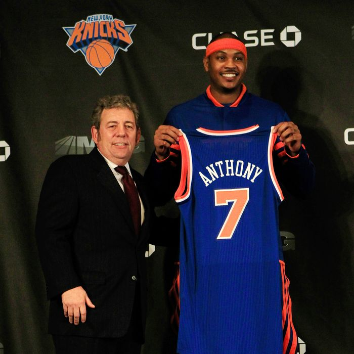 New York Knicks owner (L) Jim Dolan introduces new player (R) Carmelo Anthony at a press conference at Madison Square Garden