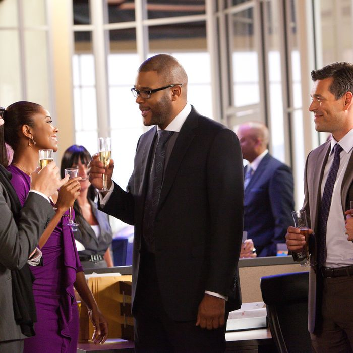From left to right: Mark Freeze (Jamie Kennedy), Natalie (Gabrielle Union), Wesley Deeds (Tyler Perry), John (Eddie Cibrian) and Heidi (Rebecca Romijn) in TYLER PERRY'S GOOD DEEDS.