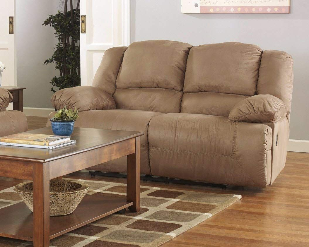 Ashley Furniture Signature Design — Hogan Reclining Loveseat