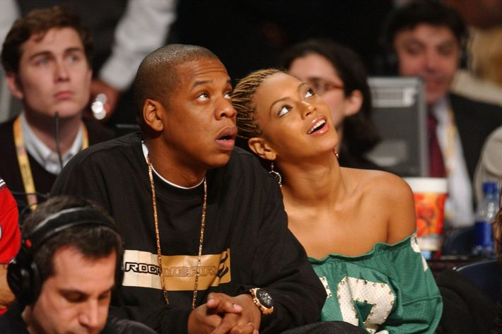 how long has beyonce been dating jay z