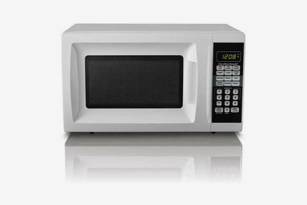 Hamilton Beach 0.7 Cu. Ft. White Microwave Oven