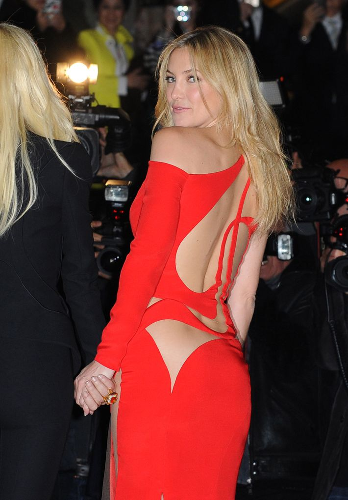 Kate Hudson Wore A Strategic Web Of Cutouts
