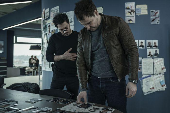 Erol Birkan (Fahri Yardim) and Kurt Grimmer (Felix Kramer).