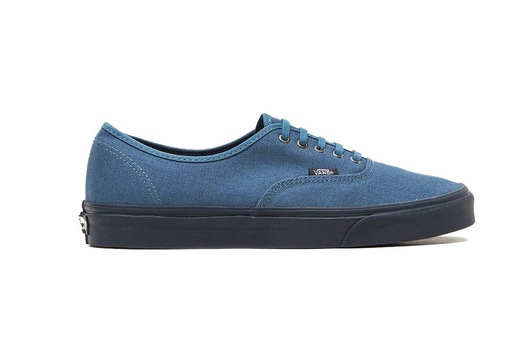Vans UA Authentic in Blue Ashes