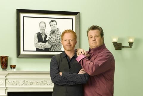 http://pixel.nymag.com/imgs/daily/vulture/2011/05/25/25_modernfam-cammitchell.o.jpg/a_560x375.jpg