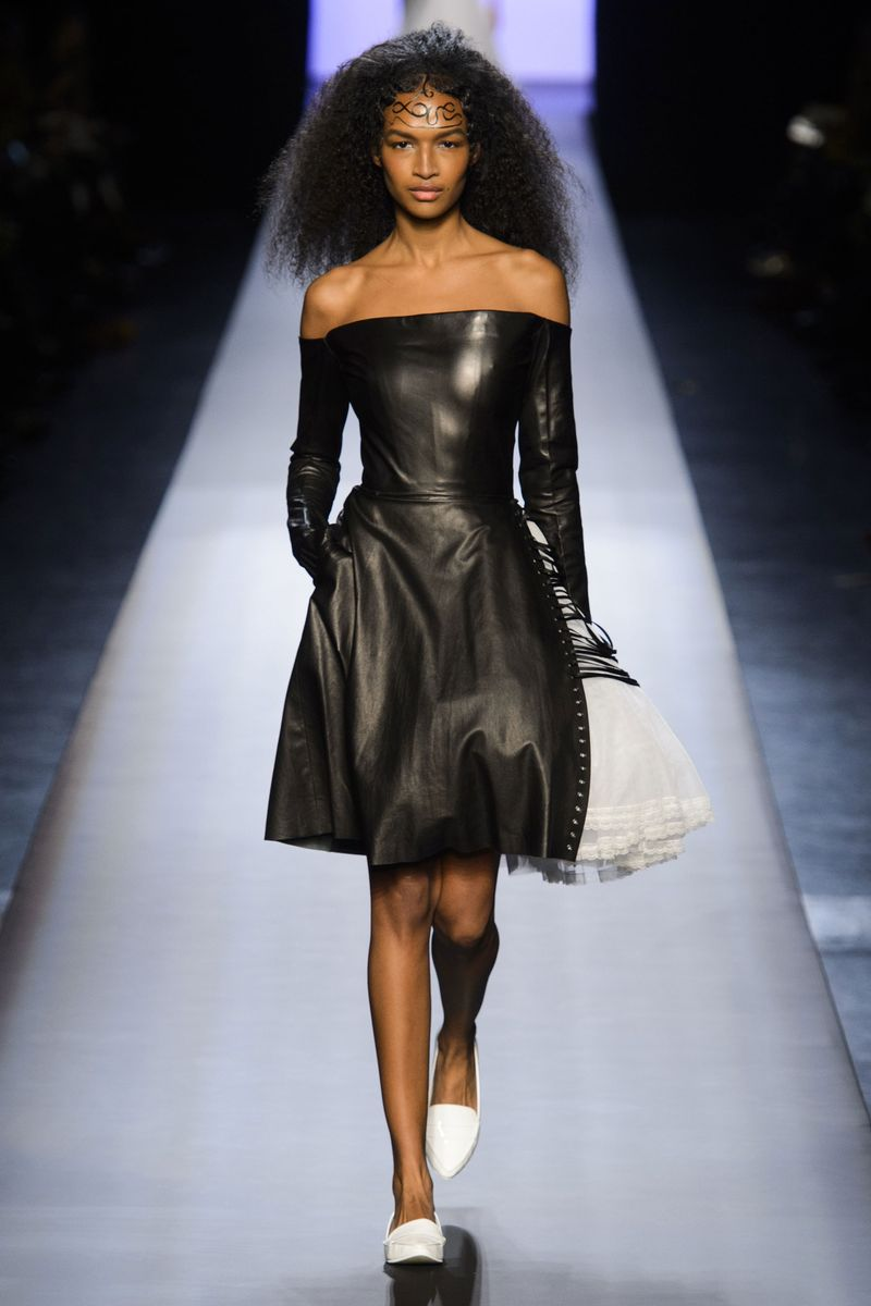 jean paul gaultier spring 2015 couture the cut. Black Bedroom Furniture Sets. Home Design Ideas