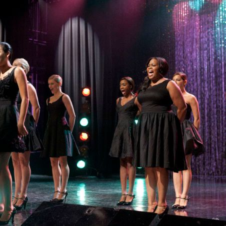 """GLEE: Santana (Naya Rivera, L) and Mercedes (Amber Riley, R) perform the 300th musical performance of GLEE in the """"Mash Off"""" episode airing Tuesday, Nov. 15 (8:00-9:00 PM ET/PT on FOX. © Fox Broadcasting Co. Cr: Adam Rose/FOX"""