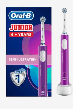 Oral-B Junior Rechargeable Toothbrush Purple, 6+ Years