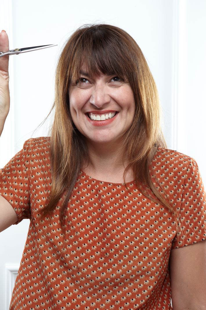 how to cut your own hair straight across