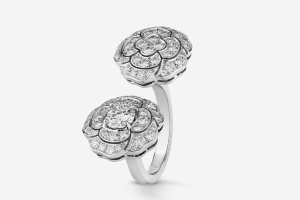Chanel Bouton de Camélia Ring