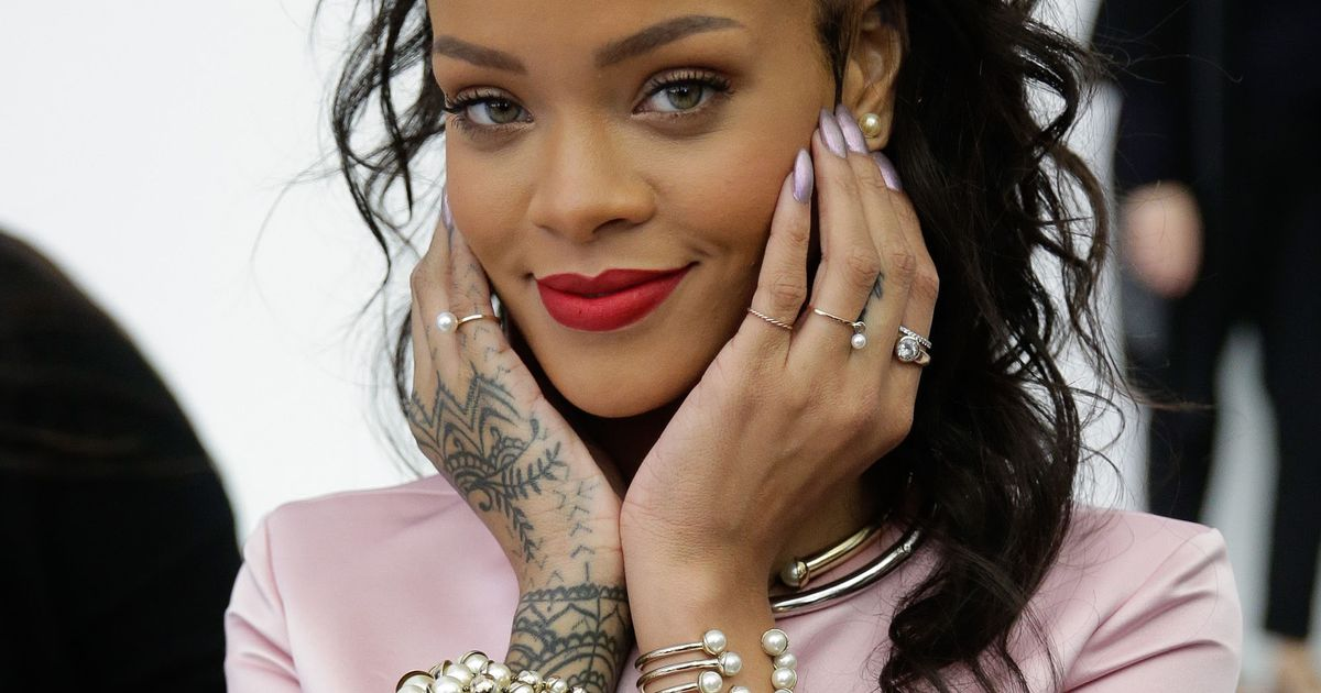Rihanna Kind of Apologizes for Calling Diplo Track a 'Reggae Song at an Airport'