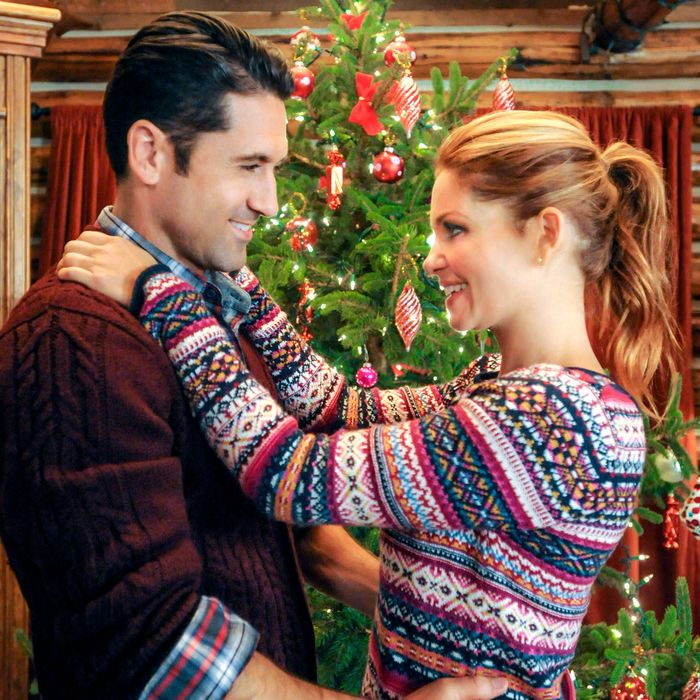 CHRISTMAS UNDER WRAPS - When a driven doctor doesn't get the prestigious position she planned for, she unexpectedly finds herself moving to a remote Alaskan town. Photo: David O'Donnell, Candace Cameron Bure Photo Credit: Copyright 2014 Crown Media United States LLC/Photographer: Fred Hayes