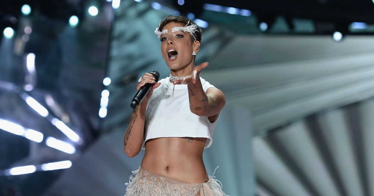 Victoria S Secret Performer Halsey Announces Lgbtq Donation