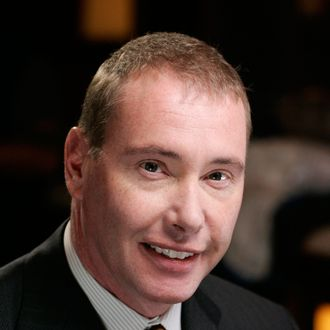 Jeffrey Gundlach, founder and chief executive officer of Doubleline Capital LP, poses during an interview at the Beverly Hills Hotel in Beverly Hills, California, U.S., on Wednesday, Oct. 20, 2010. Gundlach, the lone bond manager to beat Bill Gross in the past 5, 10 and 15 years, said there won't be any