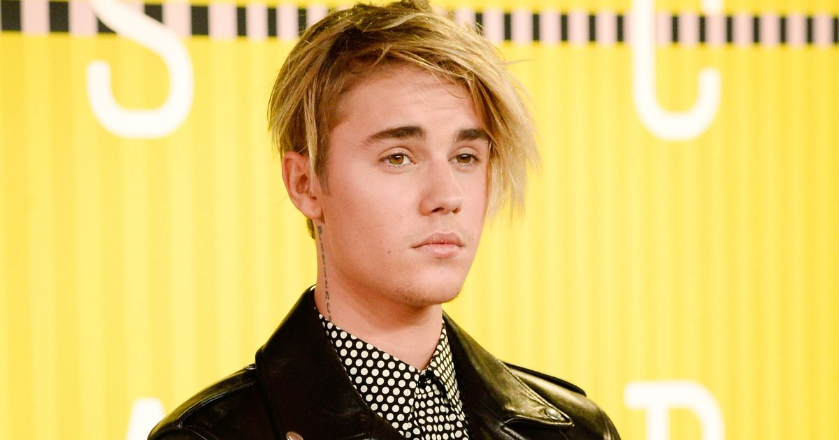Justin Biebers New Hair Is Making His Fans Nauseous
