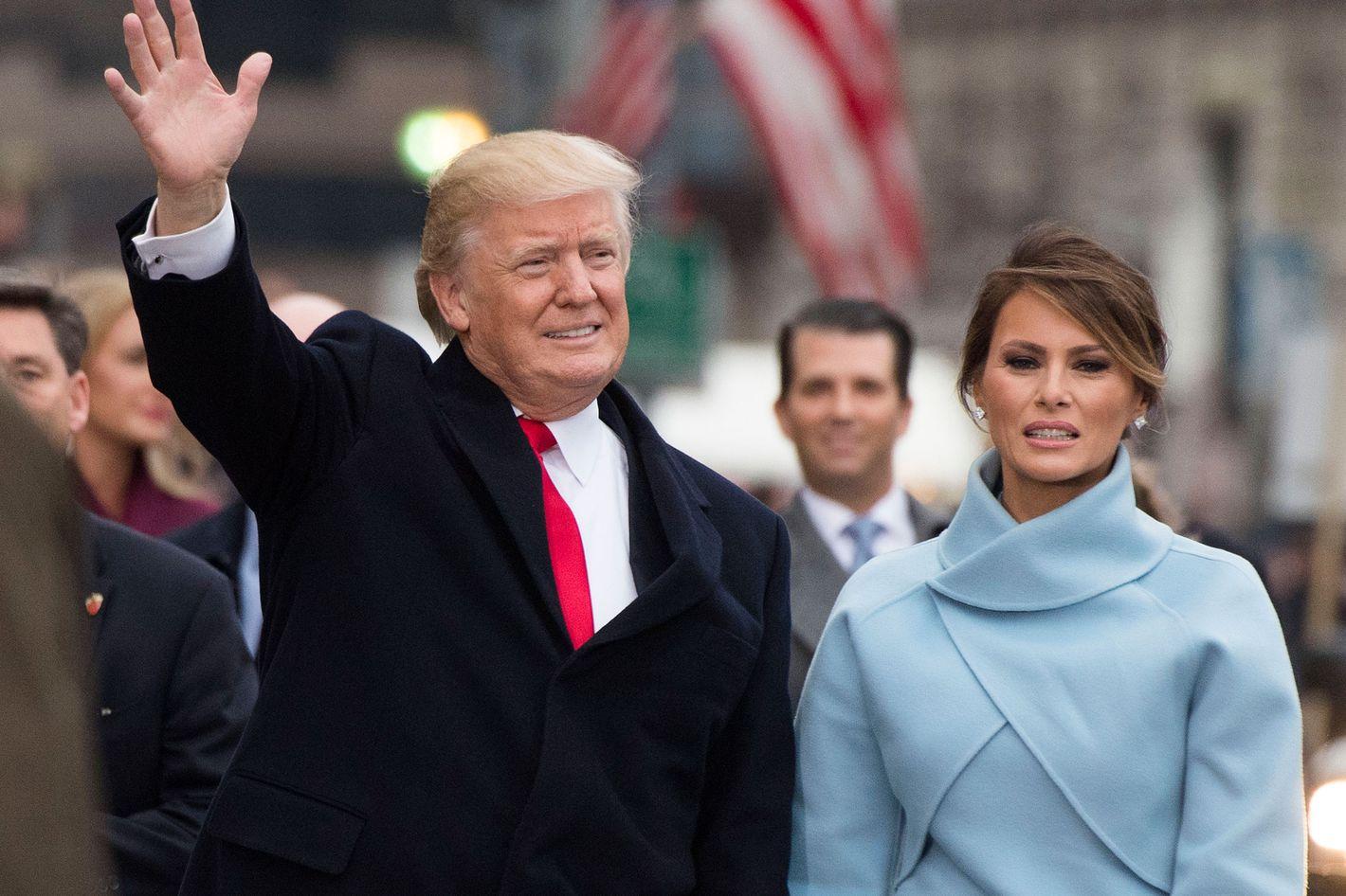 Awkward Clip of Donald & Melania at the Inauguration Is Real