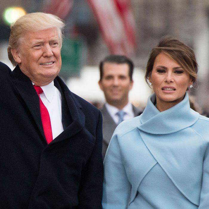 Story Donald Trump Wedding Photos: Awkward Clip Of Donald & Melania At The Inauguration Is Real