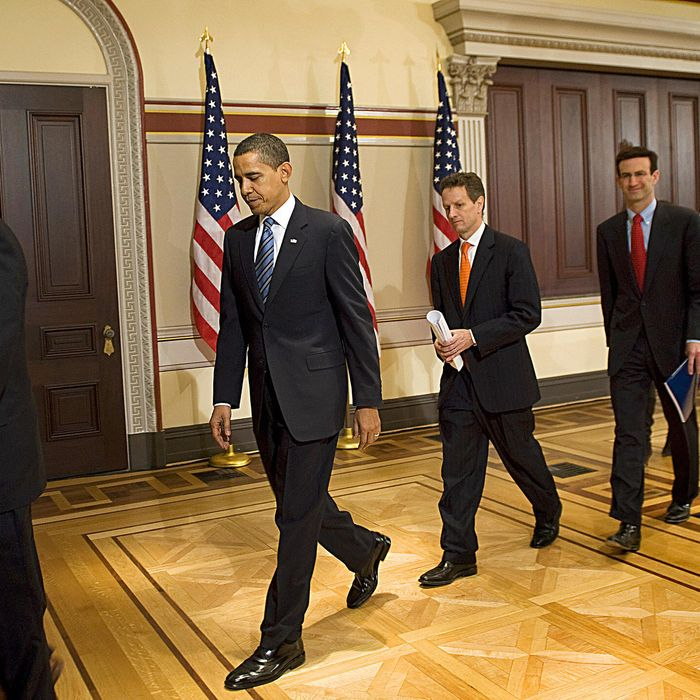 US President Barack Obama (2nd L) departs with Vice President Joe Biden (L), US Treasury Secretary Timothy Geithner (2nd R) and Director of the Office of Management and Budget Peter Orszag (R) after making comment on the Fiscal Year 2010 budget in the Eisenhower Executive Office Buildingin Washington, DC, February 26, 2009. Obama Thursday unveils his first budget projecting spending of a whopping 3.606 trillion dollars for fiscal 2010 and outlining aggressive plans to fix the US economy and its health care system. The plan, which encompasses Obama's efforts to pull the country out of its worst economic crisis since the Great Depression of the 1930s, would see the government deficit soar to the largest percentage of the US gross domestic product since World War II.