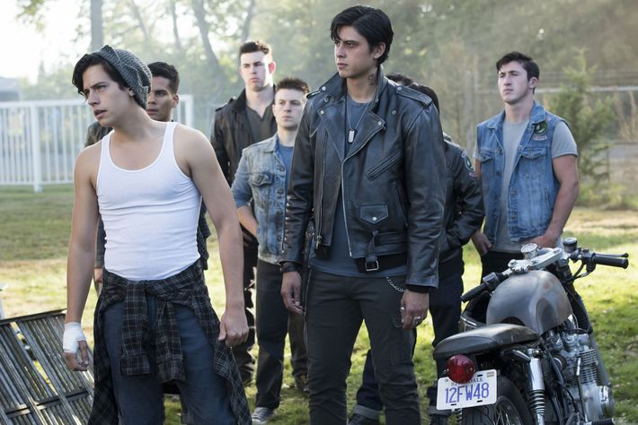 Flannel Motorcycle Jacket >> Riverdale: Everything to Know About the Southside Serpents