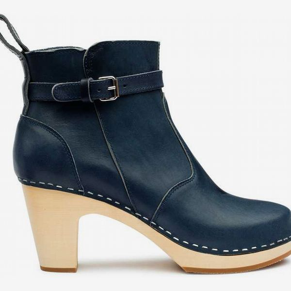 High-Heeled Jodhpur in Dark Blue. - strategist best Dark blue high heel boot with buckle strap
