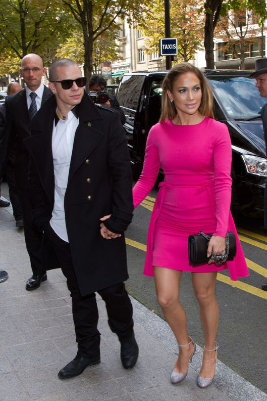PARIS, FRANCE - OCTOBER 02:  Singer Jennifer Lopez and Casper Smart are seen arriving at the 'Royal Monceau' hotel on October 2, 2012 in Paris, France.  (Photo by Marc Piasecki/FilmMagic)