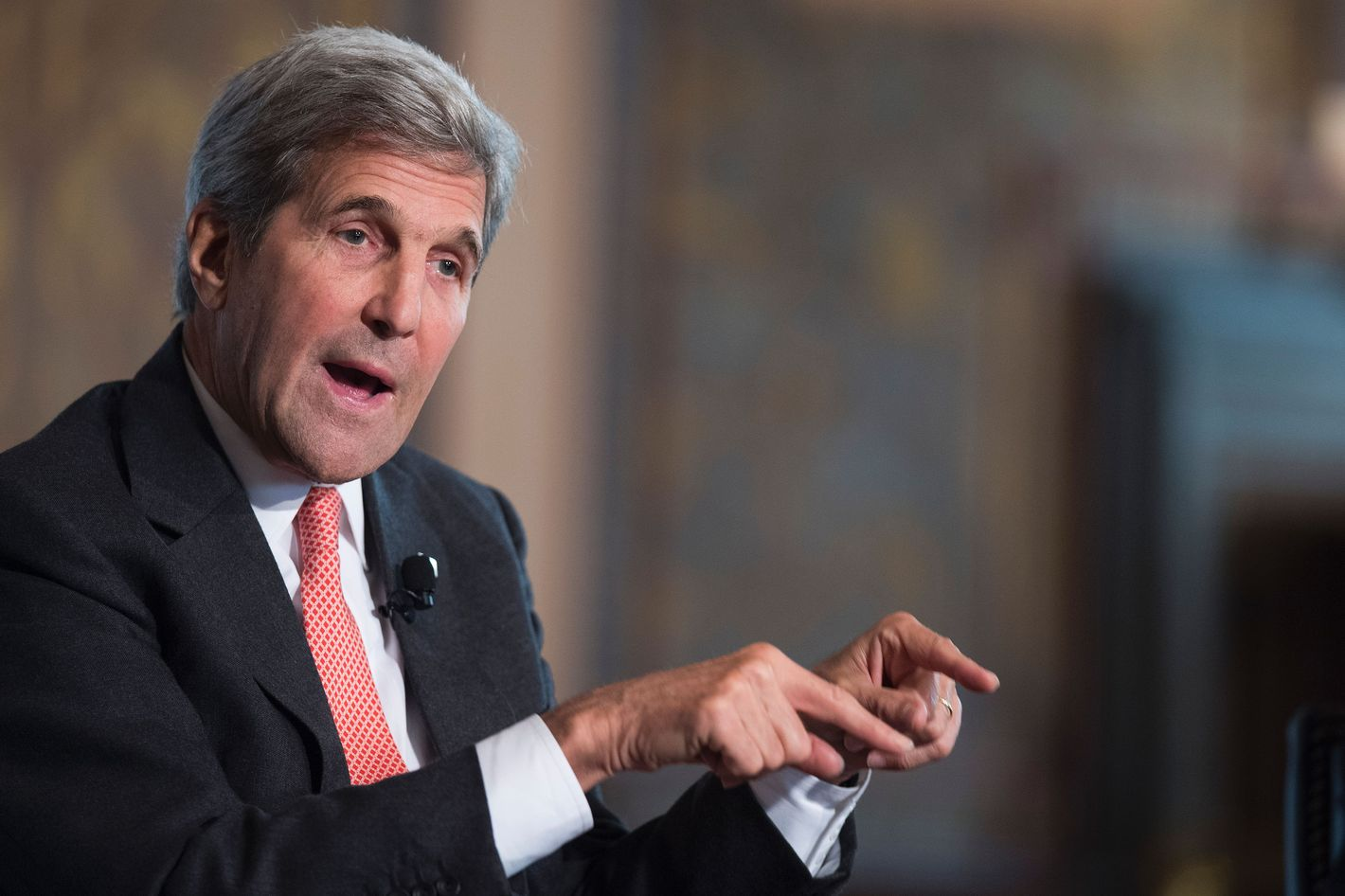 Kerry: Syria truce 'holding but fragile' despite violence