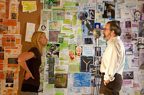 Claire Danes as Carrie Mathison and Mandy Patinkin as Saul Berenson in Homeland (episode 11).