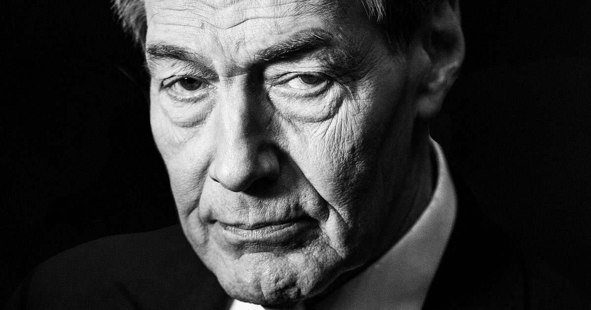 Charlie Rose Faces New Harassment Allegations From Makeup Artist