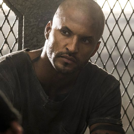 "The 100 -- ""Terms and Conditions"" -- Image HU308a_0016 -- Pictured: Ricky Whittle as Lincoln -- Credit: Katie Yu/The CW -- © 2016 The CW Network, LLC. All Rights Reserved"