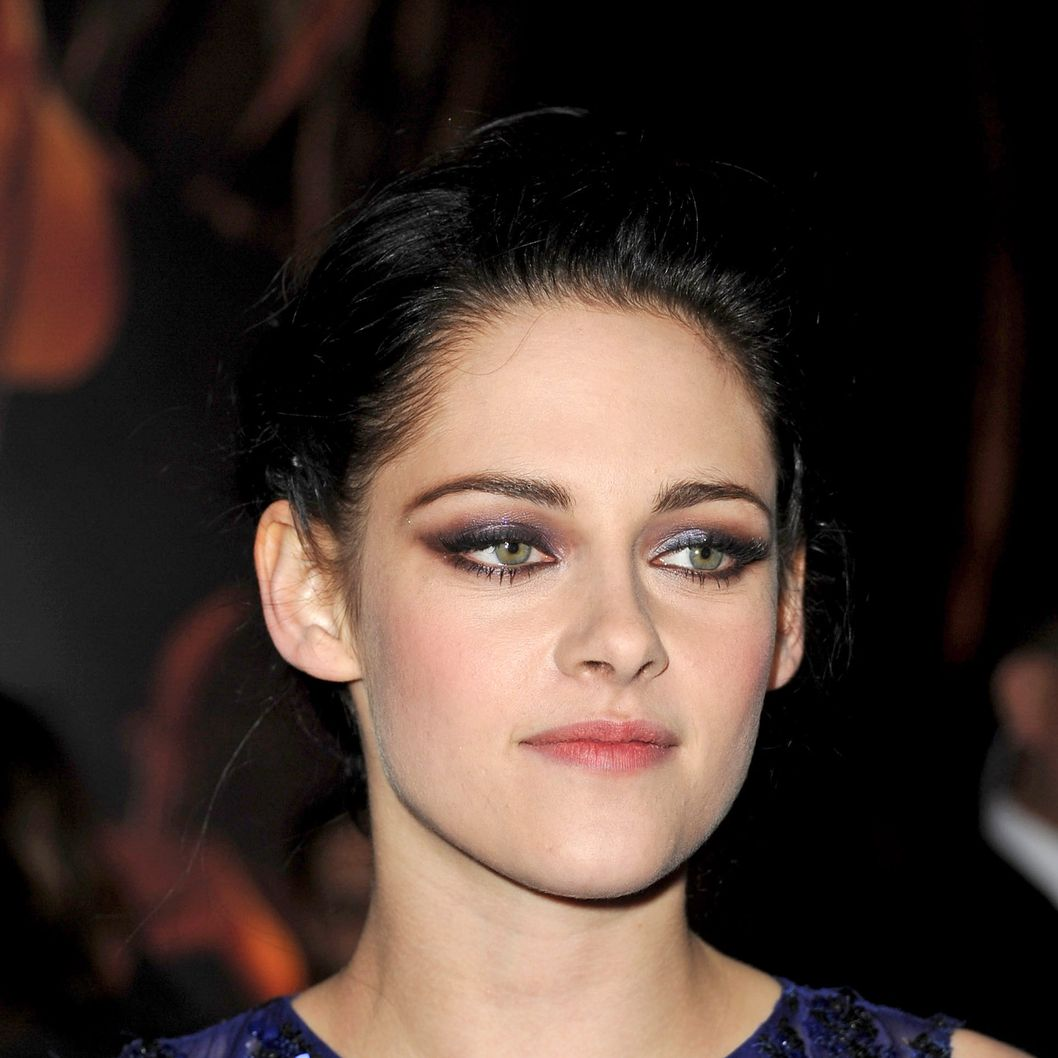 "Actress Kristen Stewart arrives at the premiere of Summit Entertainment's ""The Twilight Saga: Breaking Dawn - Part 1"" at Nokia Theatre L.A. Live on November 14, 2011 in Los Angeles, California."