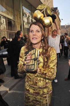 PARIS, FRANCE - MARCH 04:  Fashion director of Japanese Vogue Anna Dello Russo arrives for the Christian Dior Ready to Wear Autumn/Winter 2011/2012 show during Paris Fashion Week at Musee Rodin on March 4, 2011 in Paris, France.  (Photo by Francois Durand/Getty Images)